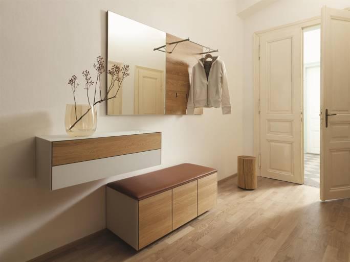 Dielenmöbel aus Naturholz