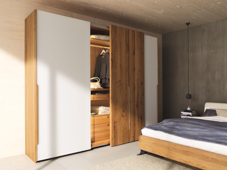 Schlafzimmermöbel aus Massivholz