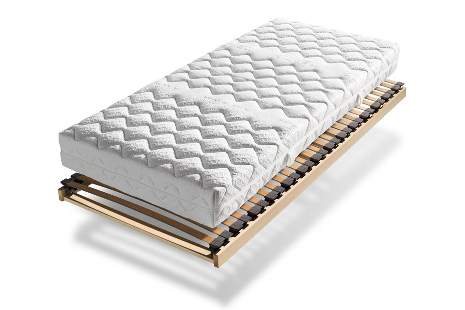 Matratze mit Lattenrost
